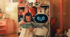 Zenbo робот від Asus пересувається, говорить і контролює твій будинок