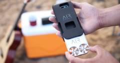 Міні-дрон AirSelfie з камерою в 5 мегапікселів зніме вас в польоті