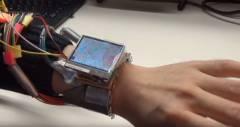 Прототип WristWhirl позволит управлять умными часами только одной рукой
