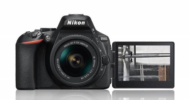 Фотоаппарат Nikon D5600 предлагает постоянное соединение со смартфоном