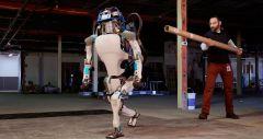 Atlas від Boston Dynamics - останнє покоління роботів