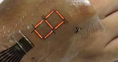 Татуировка-дисплей из ультратонкой электронной пленки E-Skin
