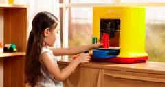 Яскравий 3D-принтер da Vinci miniMaker для роботи з дітьми
