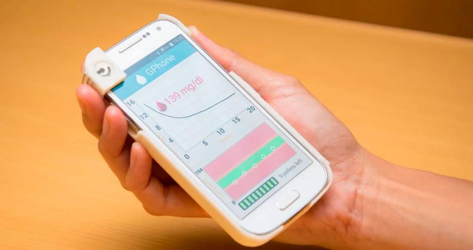Аксесуари для смартфонів та планшетів. Чохол GPhone зможе робити аналіз  крові на глюкозу 3b66a30189168