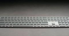 Клавиатура Microsoft Modern Keyboard доступна со сканером отпечатка пальца