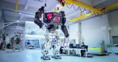 Роботизированный костюм Method-1 ростом в 4 метра от новой корейской компании